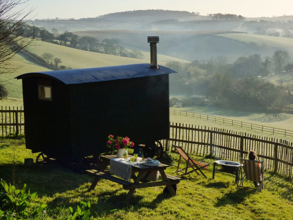 shepherds hut in cornwall